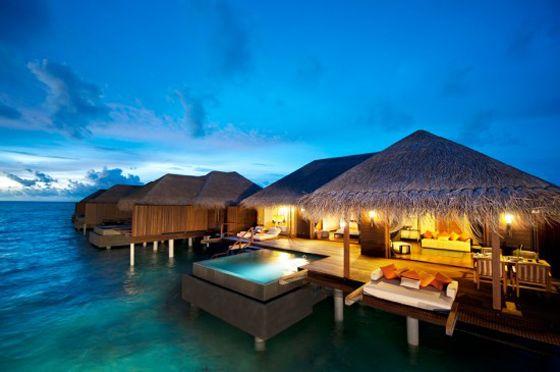 Traumurlaub pur: Ein Wasserbungalow auf den Malediven