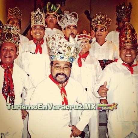 El #carnaval es la vida de los ex reyes #Veracruz http://www.turismoenveracruz.mx/2014/03/carnaval-de-veracruz-es-nuestra-vida-exreyes/