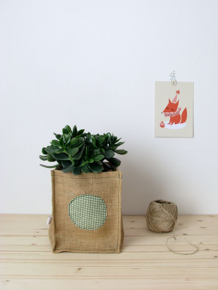 les 7 meilleures images du tableau les cabas en tissu et toile de jute sur pinterest sac cabas. Black Bedroom Furniture Sets. Home Design Ideas
