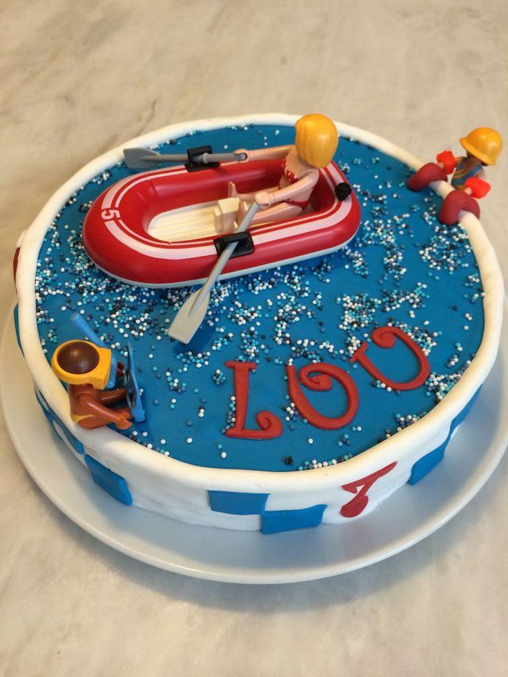 Gâteau sur le thème Piscine de Playmobil  Découvrez comment le réaliser vous-même avec un tutoriel en images sur mon blog Les délices d'Anaïs.  https://lesdelicesdanais.net/tutoriels/piscine-de-playmobil/  #cakedesign #tutoriel #gateau #patisserie #pateasucre #gâteau #anniversaire #birthday #birthdaycake #cake  #piscine  #playmobil