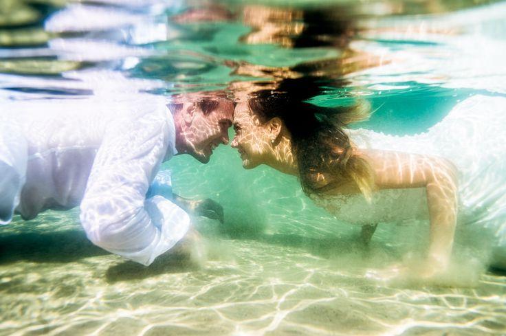 underwater wedding. Fotografia subaquática em Florianópolis. Fotógrafo de Casamento em Floripa.