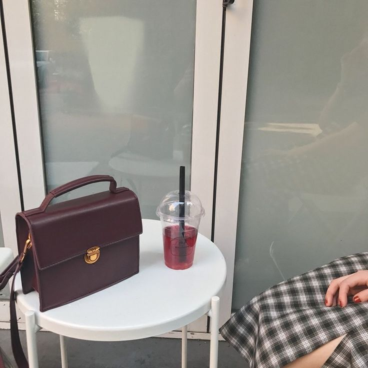 Women's Leather Retro Simple Bag Red Wine Handbag Small Square Bag Shoulder Bag