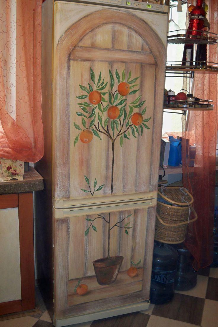 Холодильники (покраска роспись и декор).. от автора