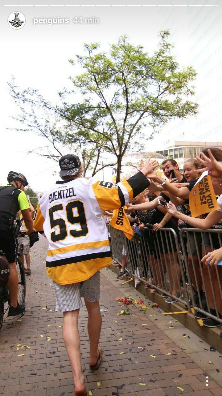Penguins Parade  Photo: Pittsburgh Penguins