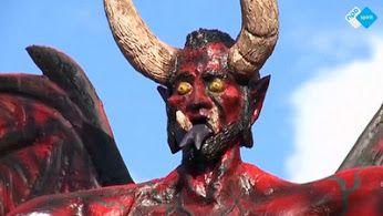 In de stad Antigua in Guatemala worden papieren duivels in brand gestoken. Zo vieren de inwoners het begin van het vakantieseizoen. Met vreugdevuren, vuurwerk en brandende Lucifer-figuren, proberen de inwoners alle geestelijke onzuiverheden uit hun leven te wissen.  http://www.spirit24.nl/#!player/info/program:48849260/group:37200368