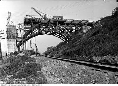Building Bloor viaduct