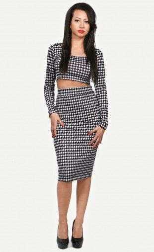 The classic houndstooth gets an ultra glamorous remix in this autumn skirt set. Styled with a crop long-sleeve top and a midi pencil skirt, Houndstooth Long-sleeve Skirt Set plays with exposed and covered-up for a sultry, high-fashion look. Easy to pair it with a studded clutch and pointy toe pumps for graceful celeb fashion look!