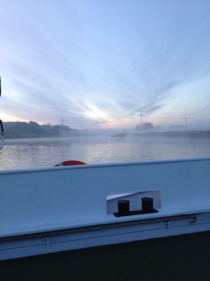 Zomaar n donderdag ochtend in nov op weg naar mijn werk en alleen op t veer!