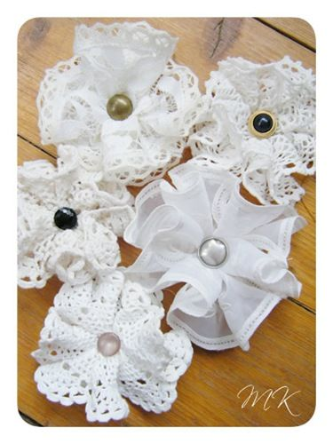 How to make Vintage Doily Flowers.  Bow Dazzling Volunteers, add an alligator clip with a felt circle to the back for a great hair / headband accessory.