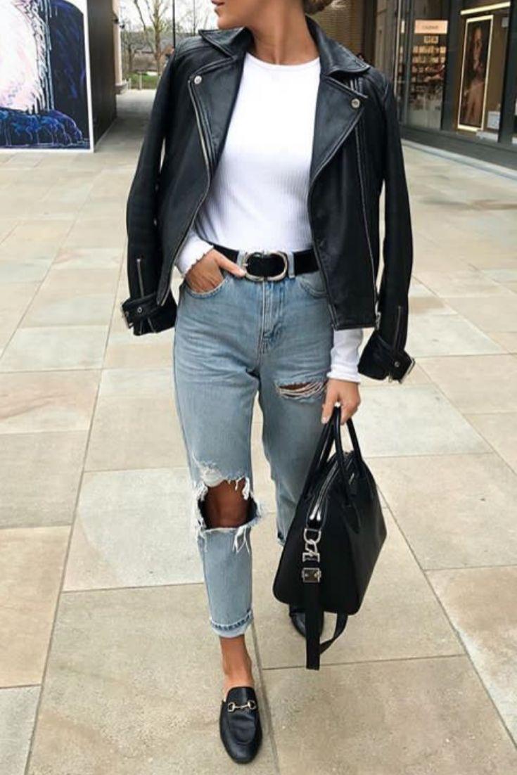 Mode femme printemps tenue casual avec un jean troué, un perfecto en cuir et de…