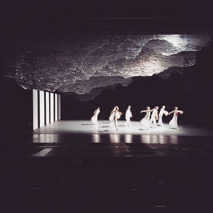 Répétition publique : venez découvrir le travail du chorégraphe Pontus Lidberg Dance demain dès 12h30 à l'Opéra des Nations. Il propose en création mondiale Une autre passion d'après la Passion selon saint Matthieu de Bach.  #classicalmusic #ballet #dance #cinema #film #creation #creativity #art #performingarts