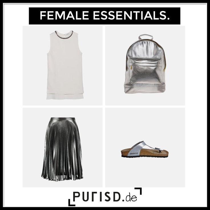 WWW.PURISD.DE - 'Silver is the new black' Silberne Sandaletten von Birkenstock sowie silberner Faltenrock und silberner Rucksack Silver Essentials