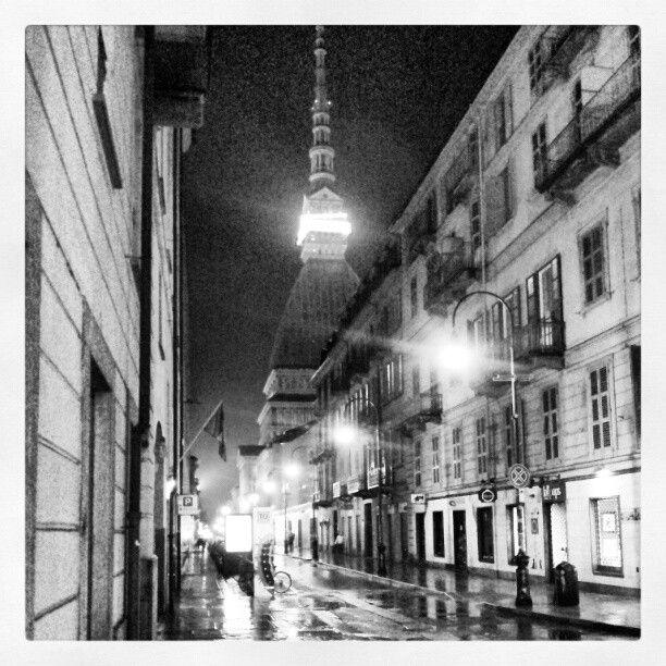 Torino, umida e malinconica prima di pasqua