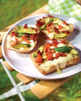 Ciabatta met zongedroogde tomaten, gegrilde courgette en mozarrella