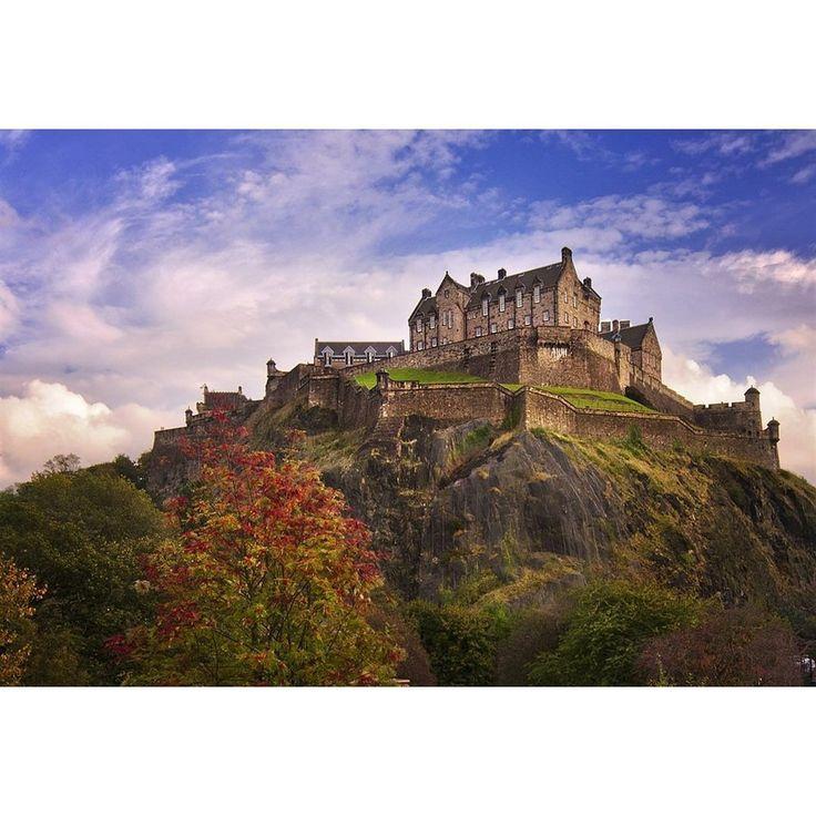 Эдинбургский замок Шотландия  #visitscotland #scotland #edinburgh #uk #castle #lovescotland #travel #igersedinburgh #эдинбург #шотландия by mashasamolyetova