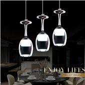 les 25 meilleures id es de la cat gorie lustre moderne sur pinterest chandelier design lustre. Black Bedroom Furniture Sets. Home Design Ideas