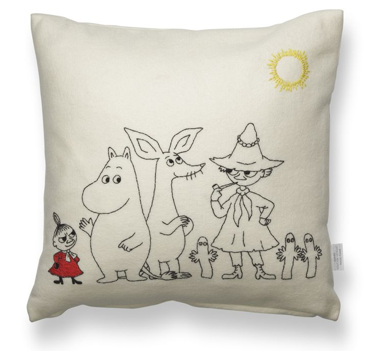 Käsityön Ystävät - Verkkokauppa. Moomin pillowcase. D.I.Y. package 55€, instructions also in English.