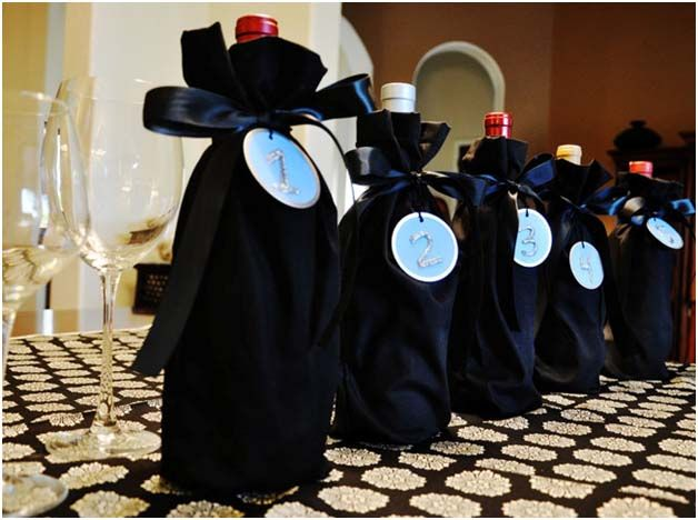 DIY: Blind Wine Bags | Momtastic. This is a fun entertaining idea.
