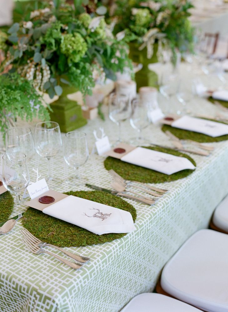 Live Moss Place Mats | CARRIE PATTERSON PHOTOGRAPHY | IN ANY EVENT | JACKSON HOLE GOLF & T | LA TAVOLA | LILY AND CO LLC | http://knot.ly/6498BatHs | http://knot.ly/6499BatHt | http://knot.ly/6490BatHQ
