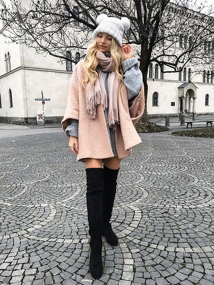Franziska Elea - Marks & Spencer Coat, H&M Scarf, Edited Oversize Sweater, Buffalo Overknees, H&M Beanie - Cozy time in Munich