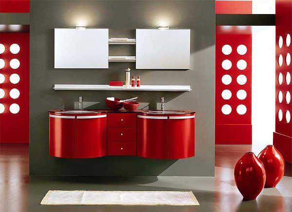 Casa de Banho vermelha com os móveis vermelhos