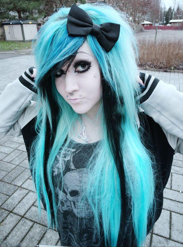 Blue emo scene hair girl
