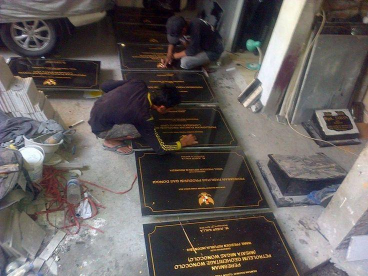 Prasasti marmer dan prasasti granit, prasasti peresmian yang diresmikan oleh presiden joko widodo  Kontak kami : 081357603030