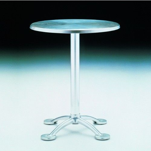have: Pensi Round Café Table between Bend chairs, under Elvis the Angus