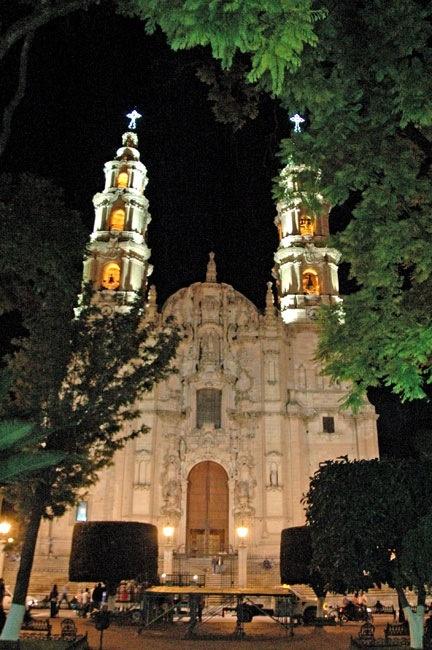 Night view of Parish, Lagos de Moreno.  MEXICO.