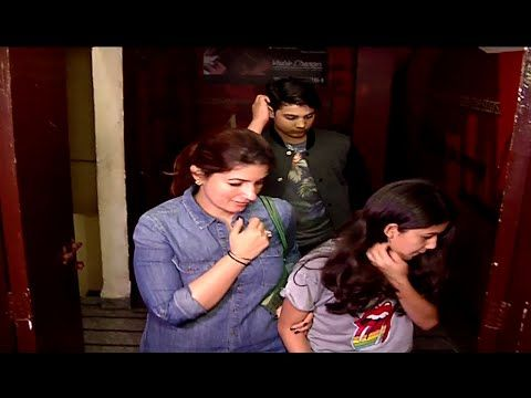 WATCH Akshay Kumar SPOTTED on a Movie Date with Wife & Kids at Juhu PVR Cinema. See the full video at : https://youtu.be/VhBmMyC2rhs #akshaykumar