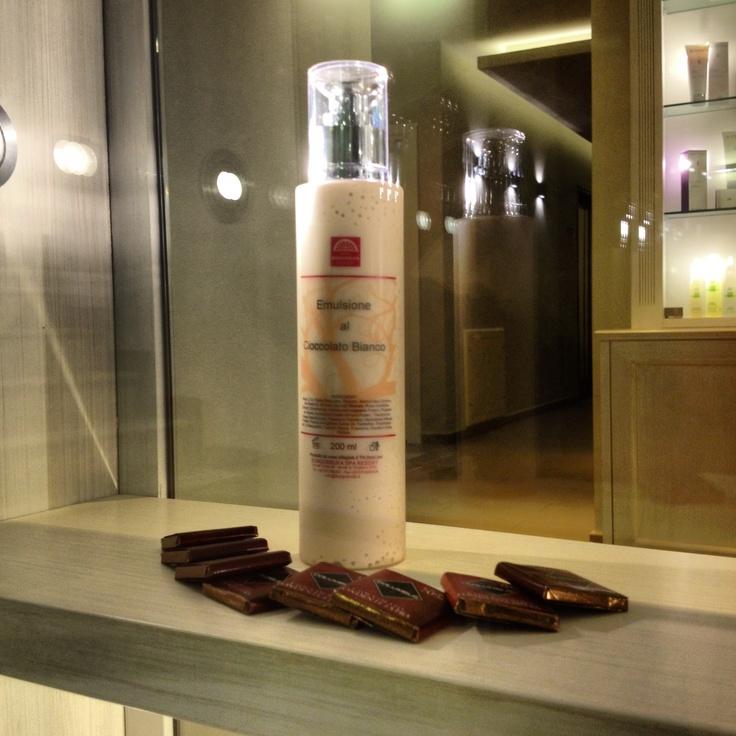 Emulsione #benessere corpo #Borgobrufa al #cioccolato bianco