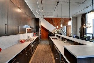 cabinets reach ceiling