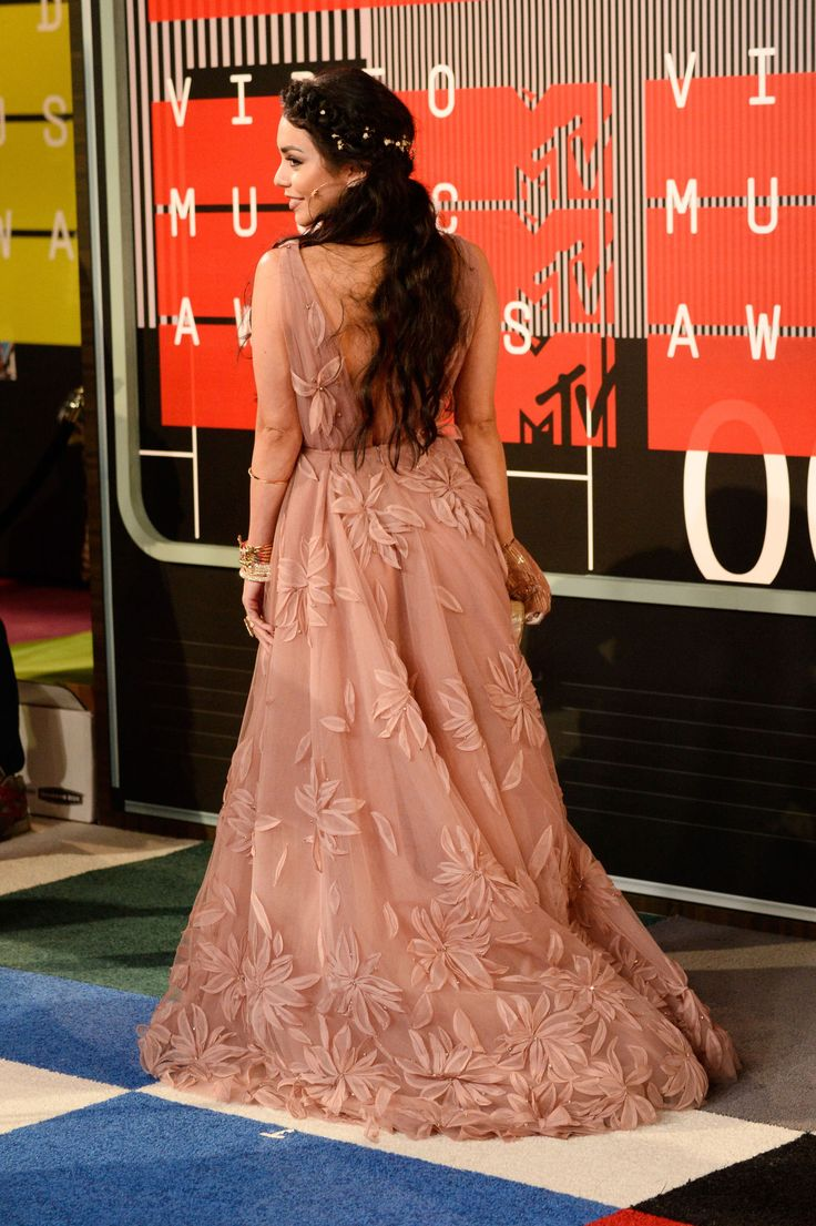 Vanessa Hudgens MTV VMAs Dress 2015 - Naeem Khan