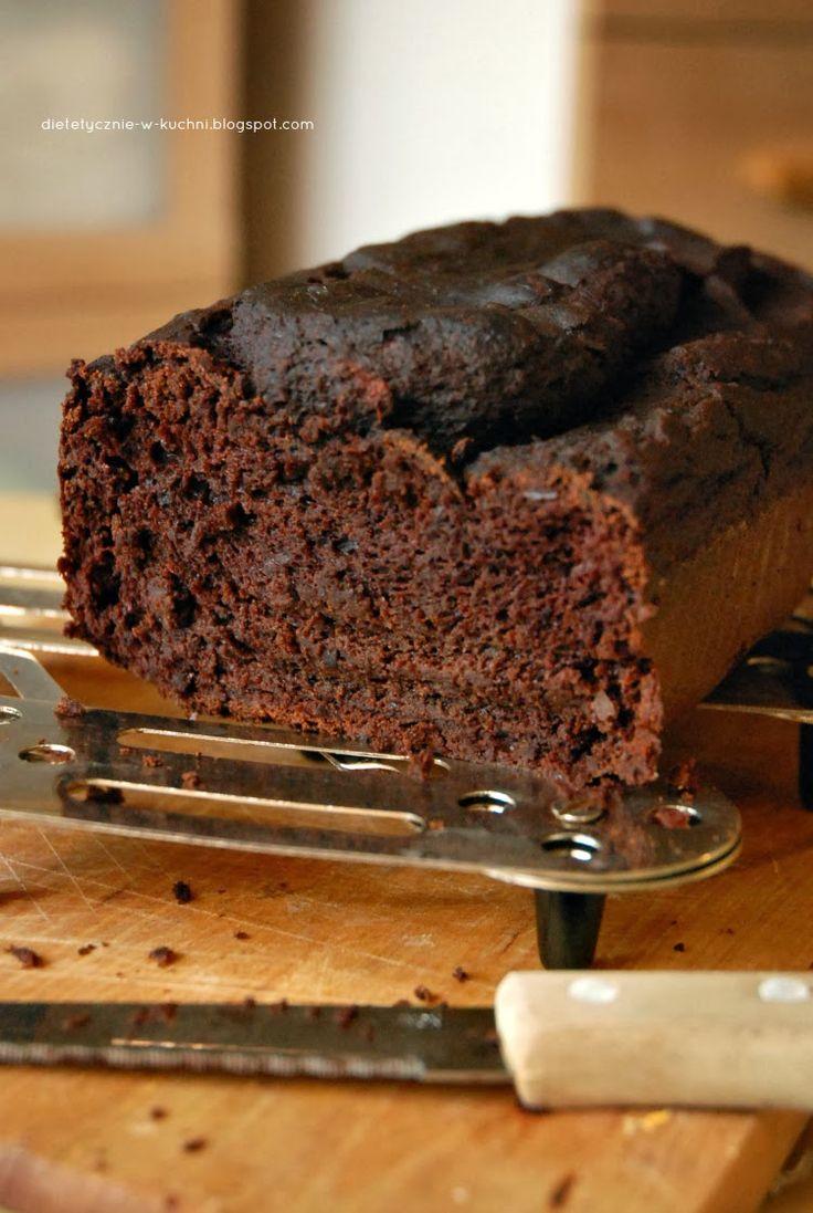 """Z cyklu """"najbrzydsze ciasto jakie upiekłam"""" - przedstawiam Państwu  czekoladowiec - bananowiec bez mąki czyli ciasto z fasoli.  Fasolowe wy..."""