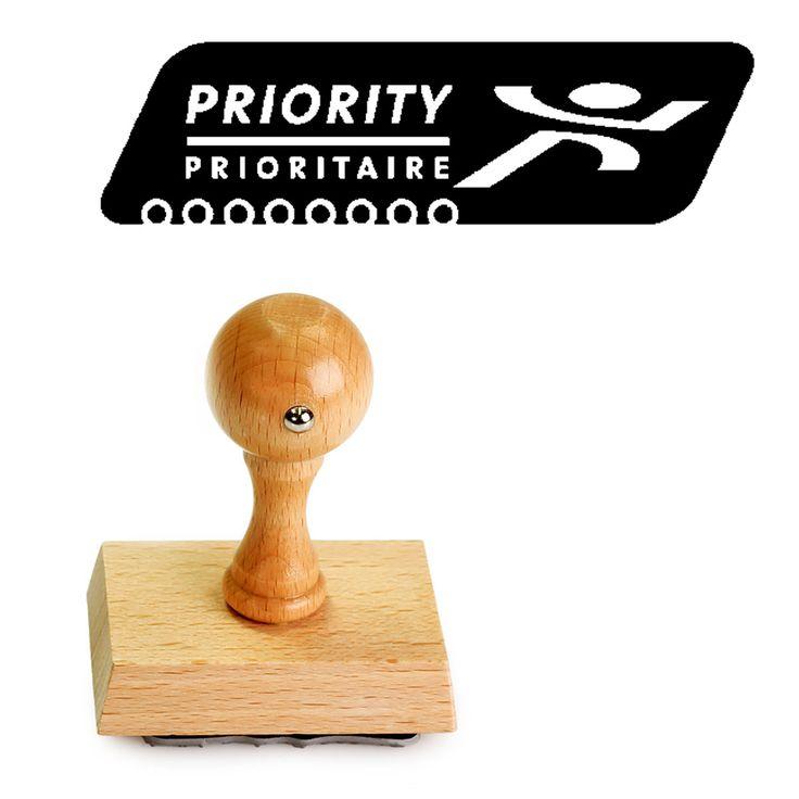 PostNL Priority stempel met houten montuur. Bestel deze PostNL stempel bij Stempelfabriek.nl.