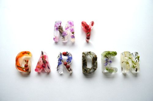My Garden Typography: frozen roses, flowers, leaves and grass in alphabet form ice-cubes by Petra Blahova. * idea