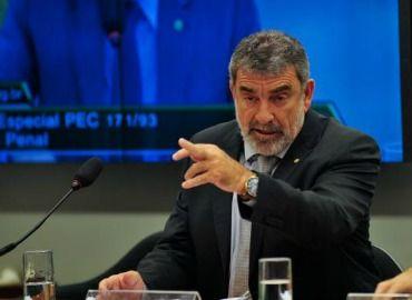 Papo Político: Eduardo Cunha é ladão, afirma deputado Laerte Bess...