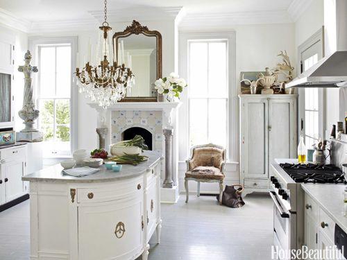 Dutch-inspired kitchen. Design: Annie Brahler. Photo: Bjorn Wallander. housebeautiful.com #kitchen #white #antiques #bronze_chandelier