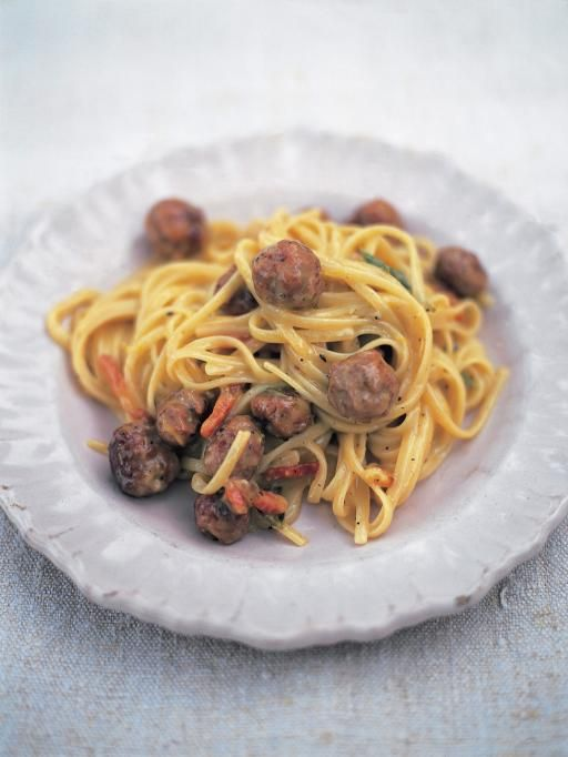 Linguine alla carbonara di salsiccia (It's like a light cream sauce, sounds delicious)