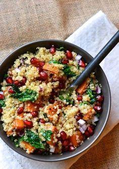 Hoje trouxe uma receita superleve e muito saborosa pra vocês, além de cair perfeitamente bem no verão. Venham aprender a receita de quinoa com frango thai!