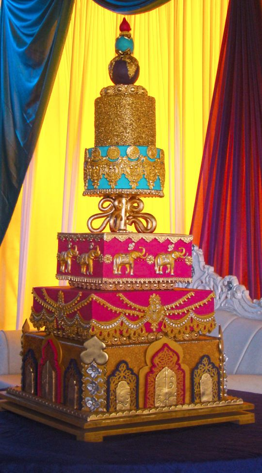 Hindu Wedding Cake   This may be over the top but i L O V E IT