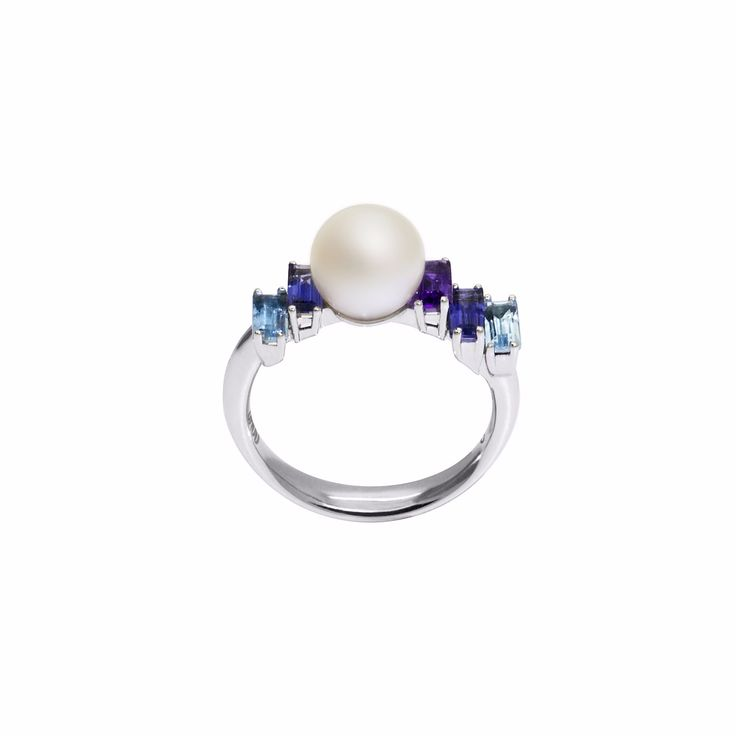 Morning Light Pearl Ring | Daou Jewellery | Wolf & Badger