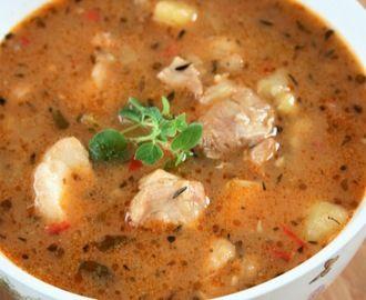 Zupa z imbirem, chili i kurczakiem
