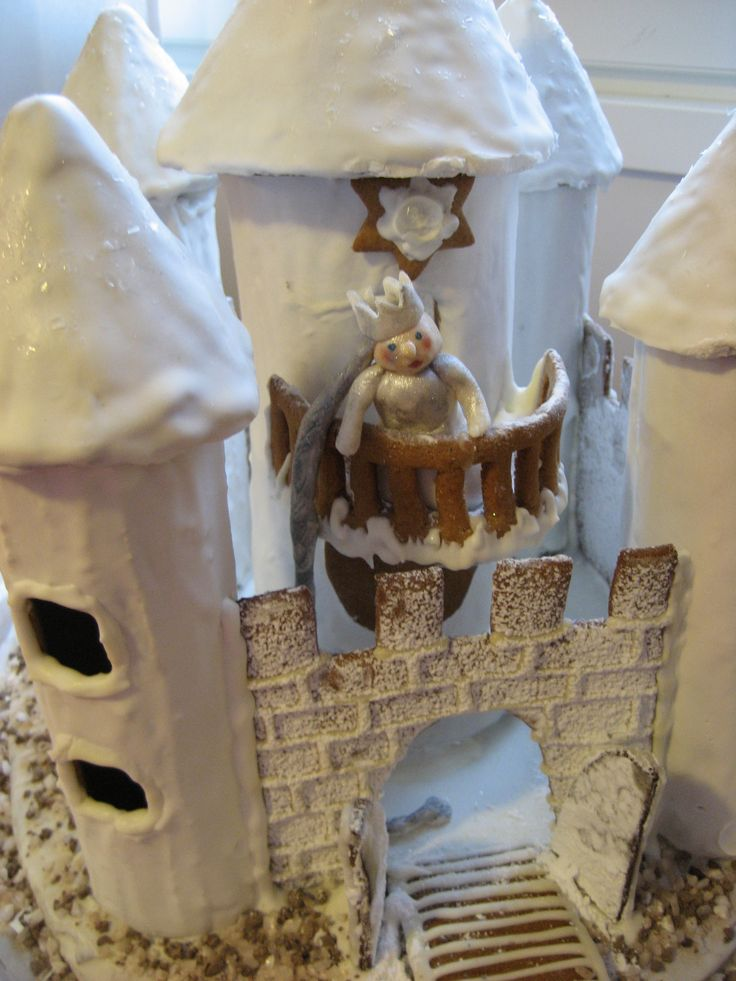 Marsa's Gingerbread Castle with a Princess