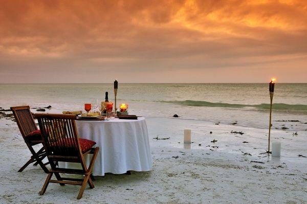 Romanttiset lomat ja häämatkat kesälle ja talvelle! Vai mitäpä jos menisitte naimisiin ulkomailla? #beach #wedding #romantic  Autamme hääjärjestelyissä, lue lisää: http://www.finnmatkat.fi/Lomavalikoima/Haamatkat/