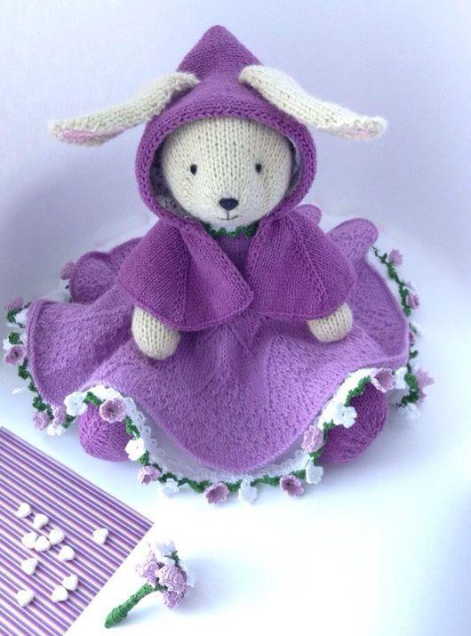 Вязаная зайка Виолетта