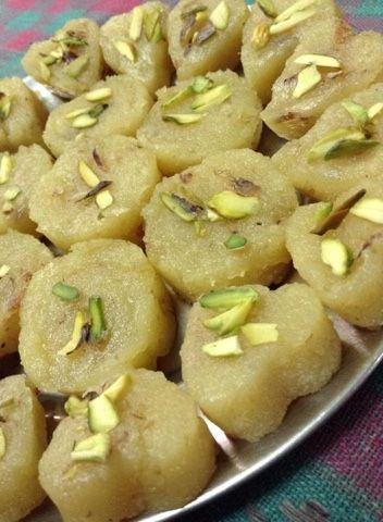FOOD SAFARI: Pinnies ( punjabi sweets)