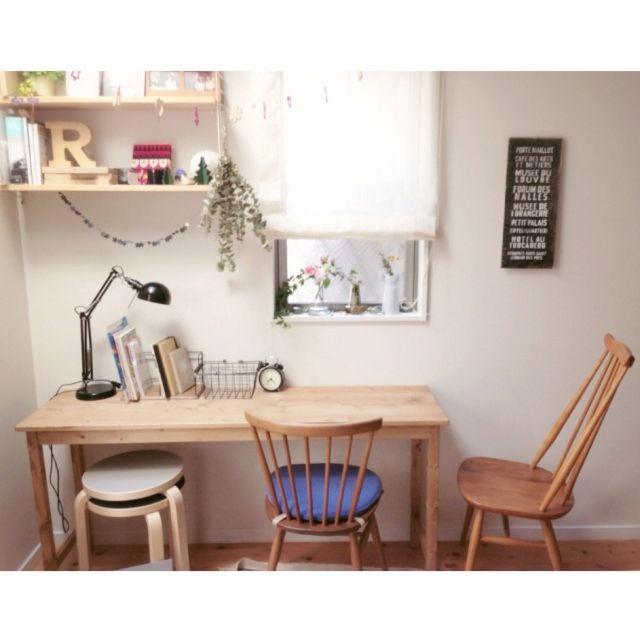 Mieさんの、北欧,シンプル,無垢材,家具,バスサイン,北欧インテリア,一戸建て,インテリア,狭小住宅,お花,一輪挿し,ホルムガード フローラ,机,のお部屋写真