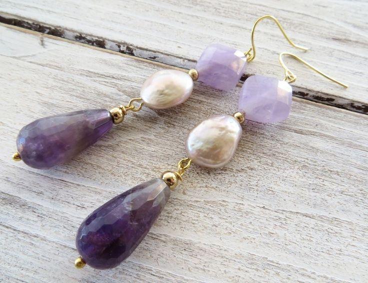 Orecchini con ametista viola lavanda e perle barocche, bijoux con pietre dure