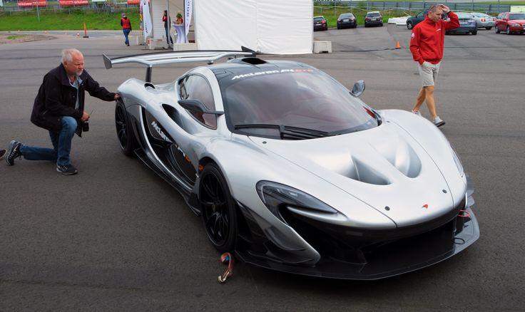 Jan granskar McLaren P1 GTR